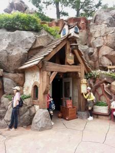 トウキョウディズニーランド,Tokyo Disneylandクリッターカントリー,グランマ・サラのキッチン