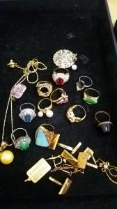 貴金属,金,プラチナ,指輪、リング,宝石,ジュエリー,ルビー,サファイヤ,翡翠,ダイヤモンド,カフス,ブローチ,インゴット,ネックレス,ブランド楽市,高価買取