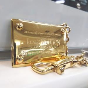 ルイ・ヴィトン,LOUIS VUITTON,キーホルダー,ゴールド,プレート,高価買取,ブランド楽市