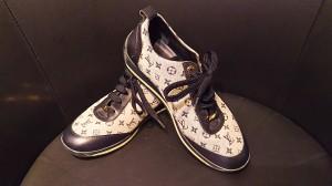 ルイ・ヴィトン,LOUIS VUITTON,靴,シューズ,スニーカー,モノグラム,宅配買取,高価買取,ブランド楽市