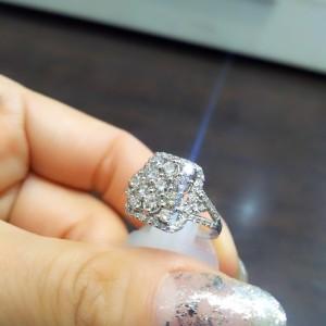 ダイヤモンド,宝石,ジュエリー,貴金属,カット,4C,パヴェ,輝き