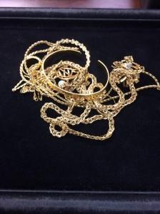 貴金属,金,地金,ネックレス,バングル,指輪,高価買取,ブランド楽市