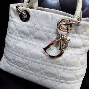 クリスチャン・ディオール,Christian Dior,レディディオール,バッグ,ホワイト,白,クリスマス,ブランド楽市