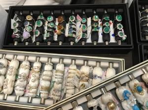 催事,香港インターナショナル・ジュエリー・ショー,香港インターナショナル・ダイヤモンド・ジェム&パール・ショー,出展,準備,エメラルド,指輪,リング,ブランド楽市,販売