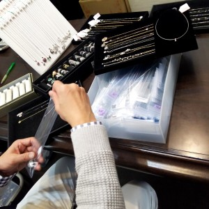 催事,香港インターナショナル・ジュエリー・ショー,香港インターナショナル・ダイヤモンド・ジェム&パール・ショー,出展,準備,ブランド楽市,販売