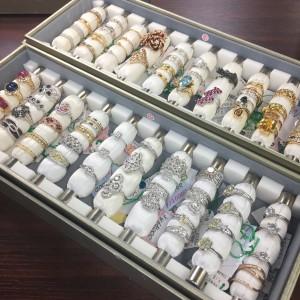 ジュエリー,各種色石,指輪,リング,宝石,貴金属,買取,専門店,ブランド楽市