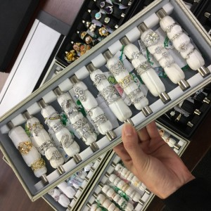 ダイヤモンド,金,プラチナ,指輪,リング,宝石,貴金属,鑑定,査定,価値,専門店,ブランド楽市