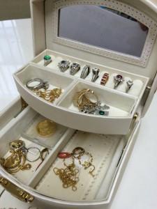 ダイヤモンド,金,プラチナ,指輪,リング,ネックレス,ブローチ,宝石,貴金属,鑑定,査定,価値,専門店,ブランド楽市