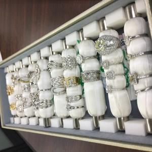 ダイヤモンド,宝石,貴金属,ジュエリー,資産価値,鑑定,査定,ブランド楽市,赤羽店