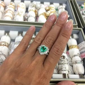宝石,貴金属,取り扱い,エメラルド,ダイヤモンド,専門店,金,地金,貴金属,買取,ブランド楽市