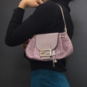 フェンディ,FENDI,バッグ,紫,パープル,トレンドカラー