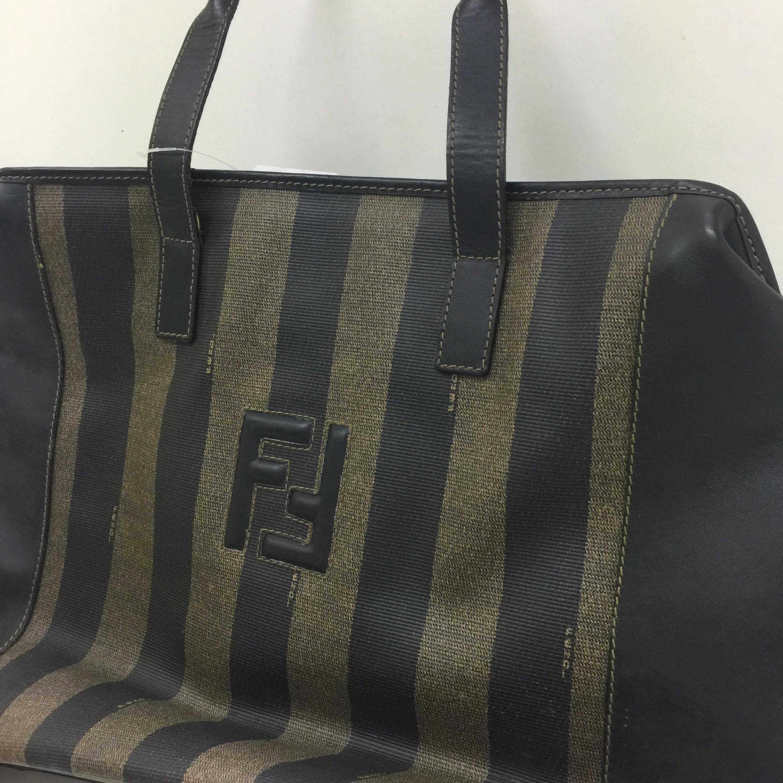 wholesale dealer 09bd6 911e7 フェンディのペカン柄やズッカ柄のヴィンテージバッグが今っぽい ...