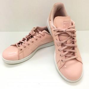 アディダス ,adidas,スニーカー,トレンド,ファッション,ワントーンコーデ,オシャレ,ピンク