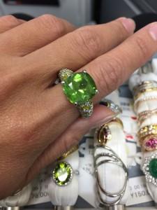 ダイヤモンド,金,プラチナ,宝石,貴金属,形見分け,資産価値,遺品整理,生前整理,資産整理,資産,査定,真贋,ブランド楽市