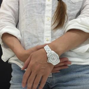 シャネル,CHANEL,腕時計,J12,セラミック,夏,白,人気,おしゃれ,ファッション,ブランド楽市