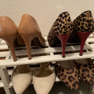 シューズ,靴,パンプス,ラテカラー,ラテコーデ,ベージュ,ヒョウ柄,トレンド,色,カラー,流行り,ファッション