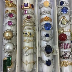 金,ゴールド,ネックレス,宝石,貴金属,高騰,買取,ブランド楽市,駒沢店,吉祥寺店,赤羽店