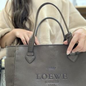 ロエベ,LOEWE,ショルダーバッグ,トートバッグ,,トレンド,ファッション