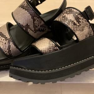 靴,シューズ,サンダル,トレンド,スポーツサンダル