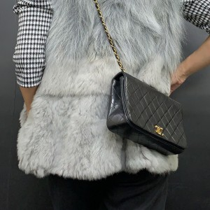 シャネル,CHANEL,チェーンバッグ,小さめバッグ,小型バッグ,ヴィンテージ,黒,ブラック,大人コーデ,大人女子,ファッション