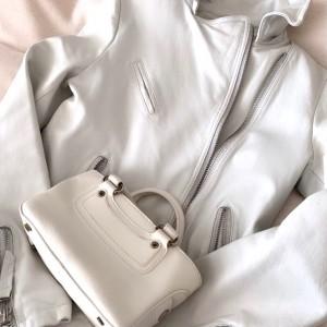 ホワイト,白,ライダース,ジャケット,レザー,セリーヌ,ミニバッグ,ブギーバッグ,白バッグ,春,2021春コーデ,ファッション,トレンド,オシャレ