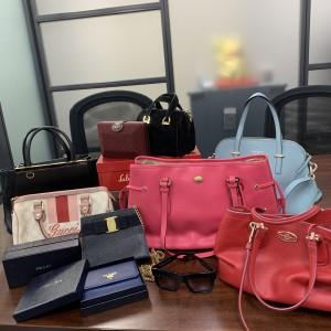 ブランド,バッグ,財布,アクセサリー,小物,腕時計,洋服,靴,シューズ,買取,ブランド楽市,赤羽店